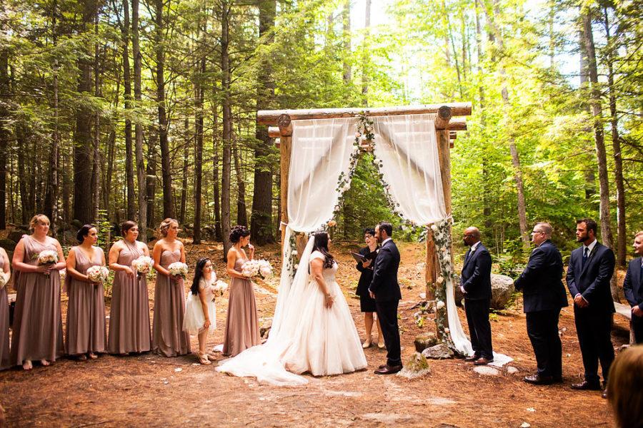 Alliane and derek maine barn wedding venue for Wedding venues in maine