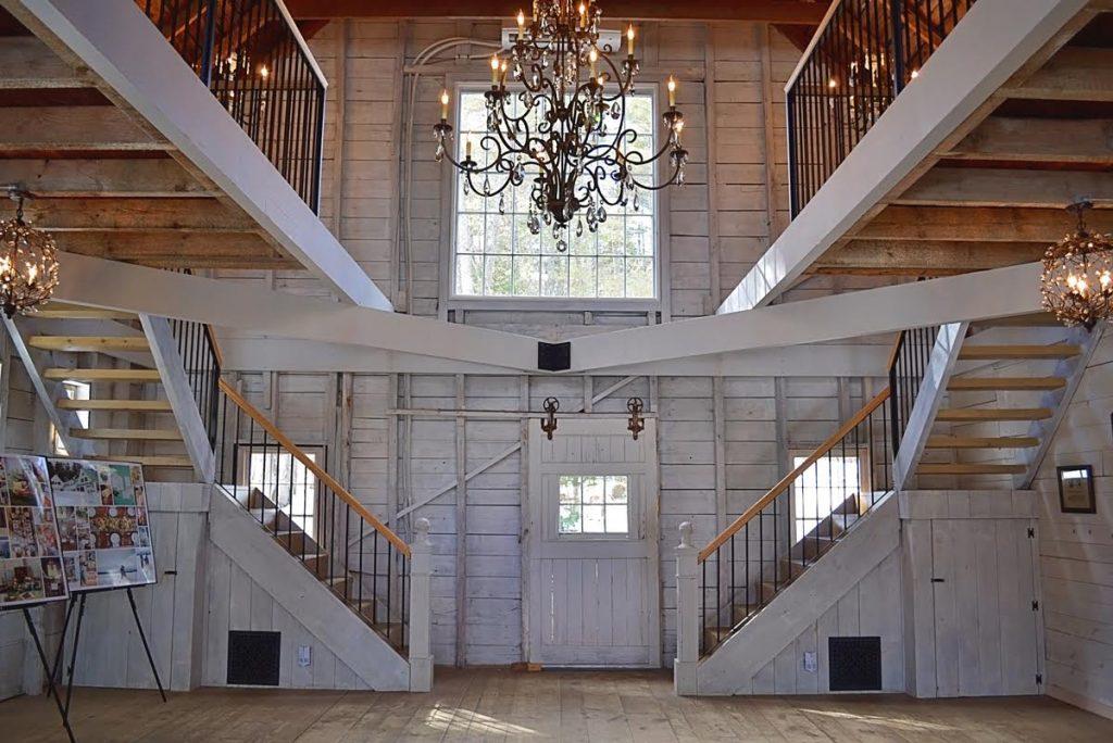 Real New Hampshire Weddings - Maine Barn Wedding Venue